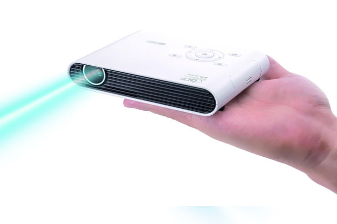 3200 Lumens Portable LED Projector RGB LED Light Source For Home Theater